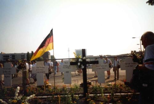 Berlin - Kors vid floden öst-väst Berlin